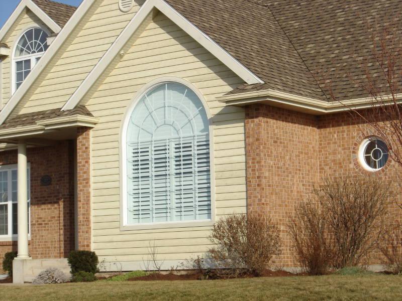 vinyl windows on a beautiful home in cedar rapids
